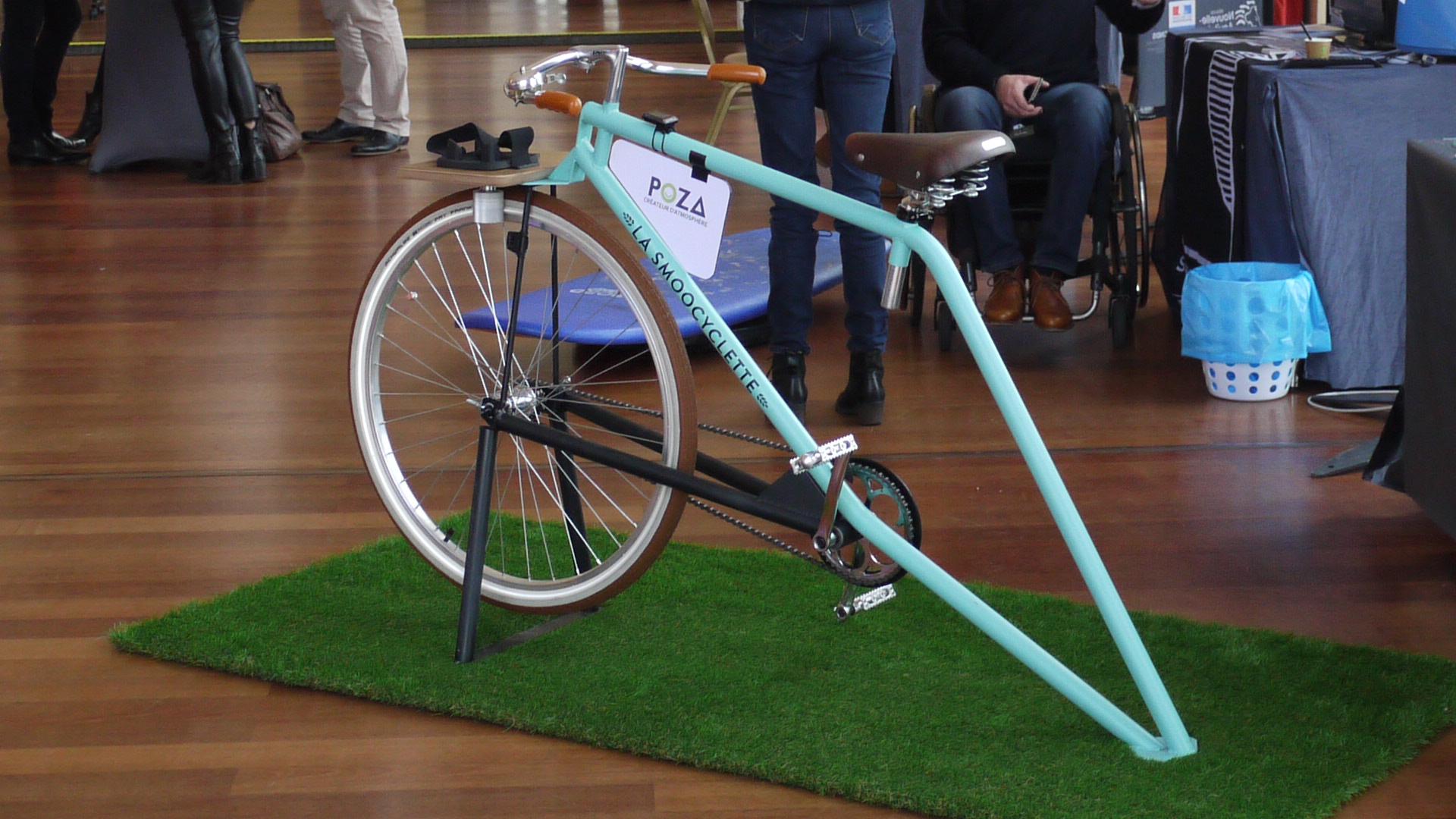 La Smoocyclette personnalisée Poza au casino de Biarritz